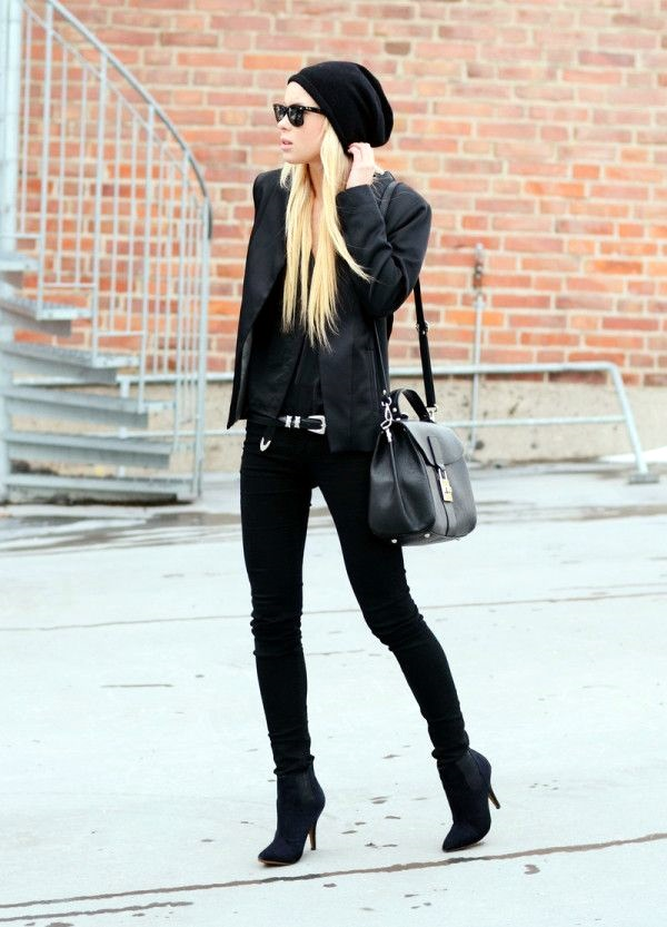 All Black Outfits Ideas for Teens (17)